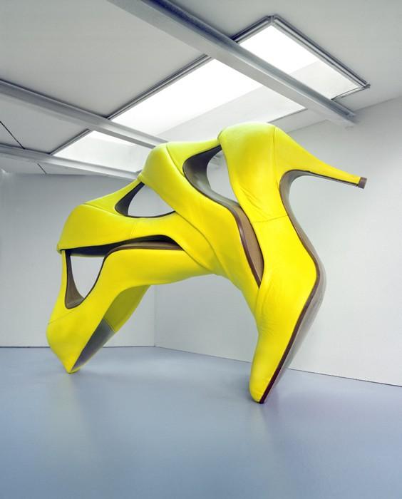 Le scultptures chaussures by Petros Christostomou