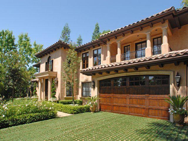 Visitez la villa de kim kardashian le blog des tendances for Deco maison kim kardashian