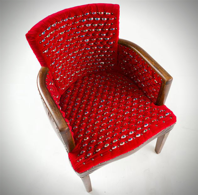 Le fauteuil yeux by Fiona Roberts
