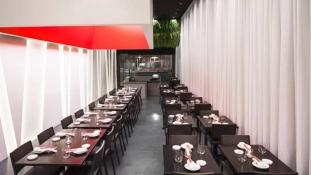 Lumière au Sushi Yojisan by Dan Brunn Architecte