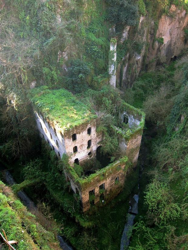 les-33-plus-beaux-lieux-abandonnes-dans-le-monde26