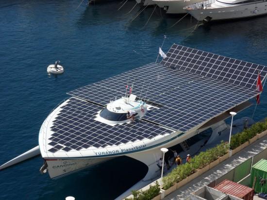largest-solar-boat-1-550x412