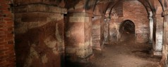 Visite d'un temple souterrain abandonné