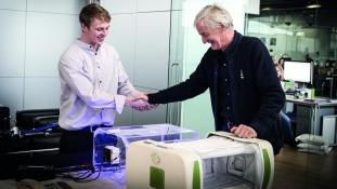 James Roberts remporte le James Dyson Award 2014
