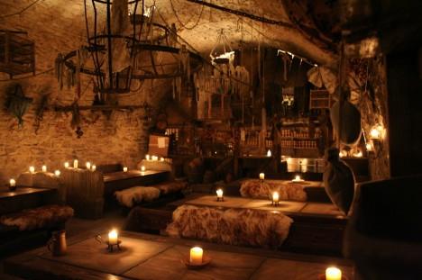 Amazing-restaurants-medieval-tavern-468x311
