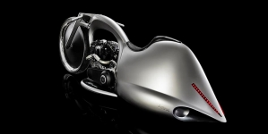 La moto Akrapovic Full Moon