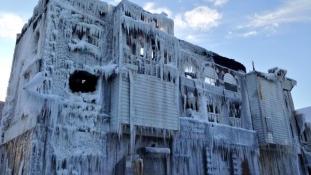 Photos – Quand le feu devient de la glace !