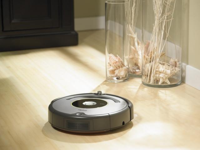Le gagnant de l'aspirateur robot I-Robot Roomba 631 est …