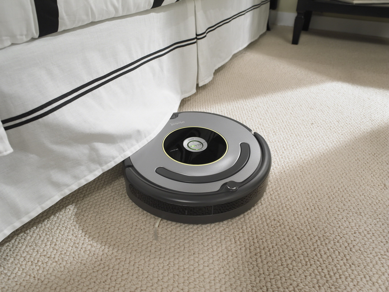 gagnez un aspirateur robot i robot roomba 631. Black Bedroom Furniture Sets. Home Design Ideas
