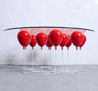 UP Balloon – La table basse by Christopher Duffy