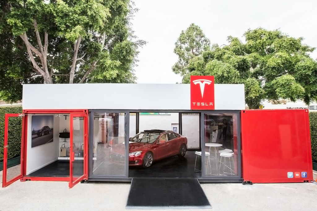 Concession Tesla containers Elon Musk