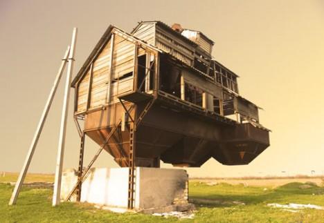 bâtiments abandonnés urbex Russie rurale bâtiment agricole flottant