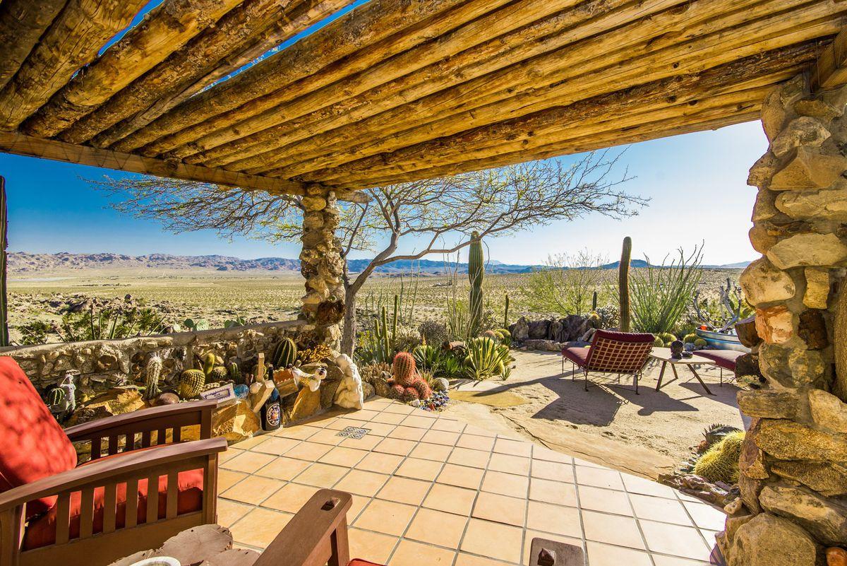 Mojave Rock Ranch
