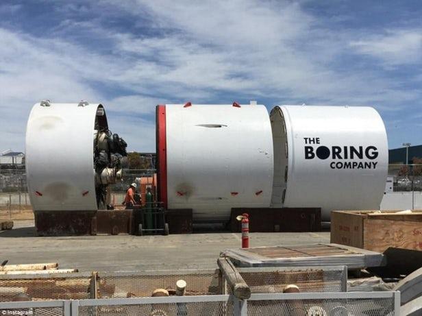premier tunnel d'Elon Musk