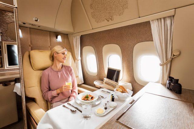 Emirates dévoile les nouvelles suites privées de ses Boeing