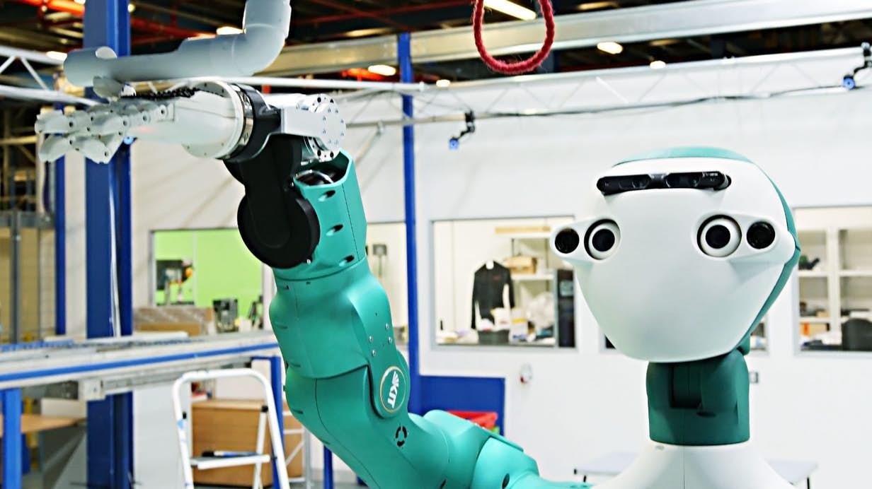 Ocado dévoile son robot assistant de maintenance ARMAR-6