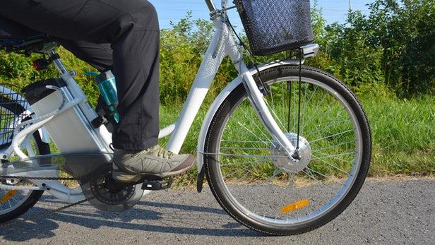 Les vélos électriques sont tout aussi bons que les vélos ordinaires pour améliorer la condition physique