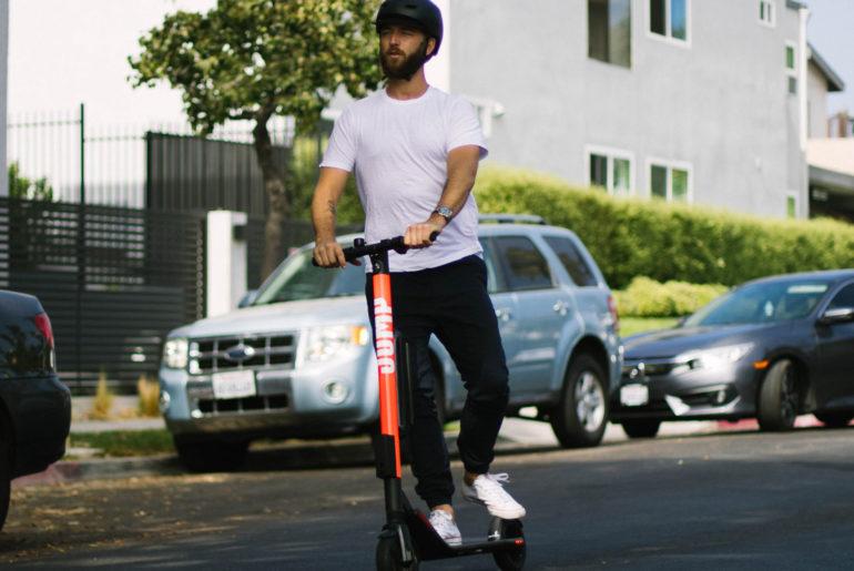 trottinettes électriques Uber les Jump
