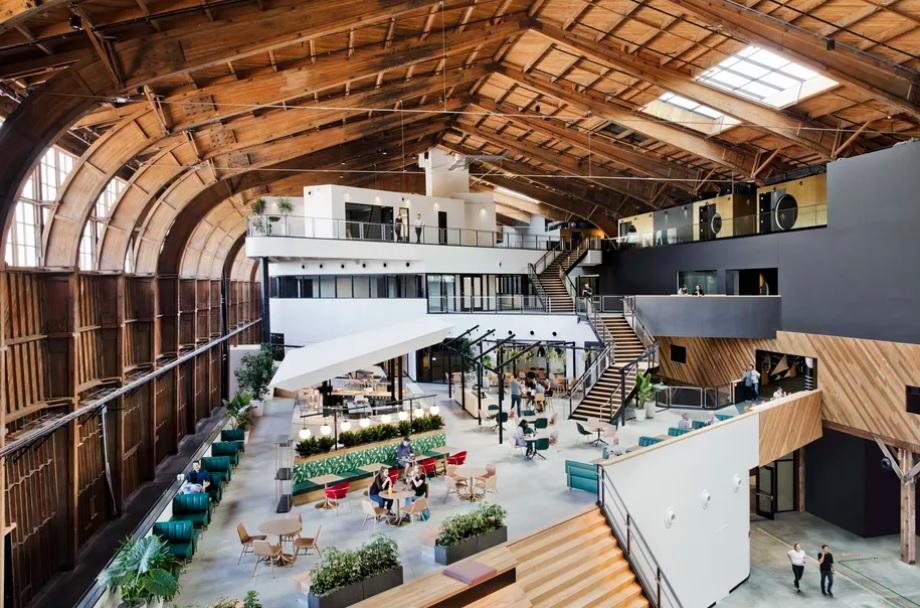 Zgf archictects dévoile les bureaux de google à playa vista