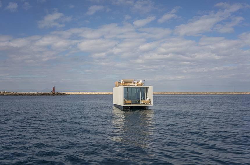 Punta Del Mar invente une péniche plug-and-play intelligente faite pour les marinas ou voyager 1