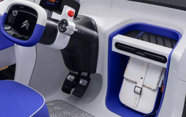 Ami One – Un petit véhicule électrique conçu comme une alternative aux voitures, motos et trottinettes 2