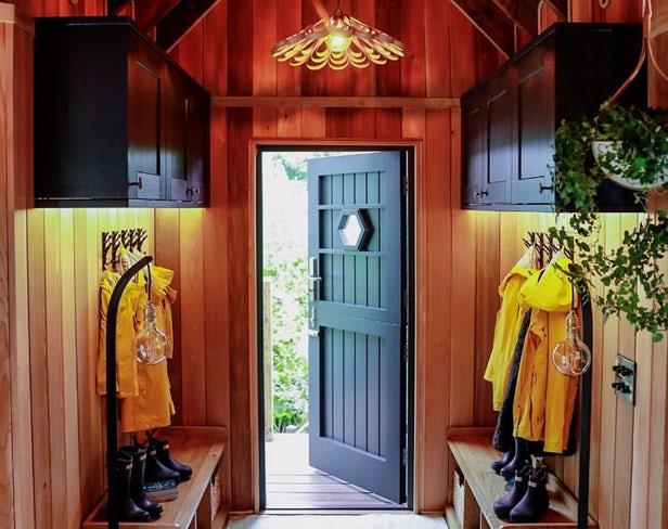 Blue Forest dévoile sa cabane dans les arbres préfabriquée de luxe 2