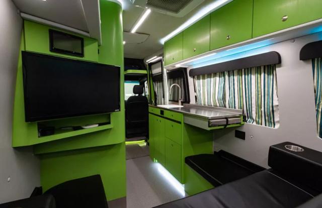 Ce camping-car vaut-il vraiment 328000 dollars 1