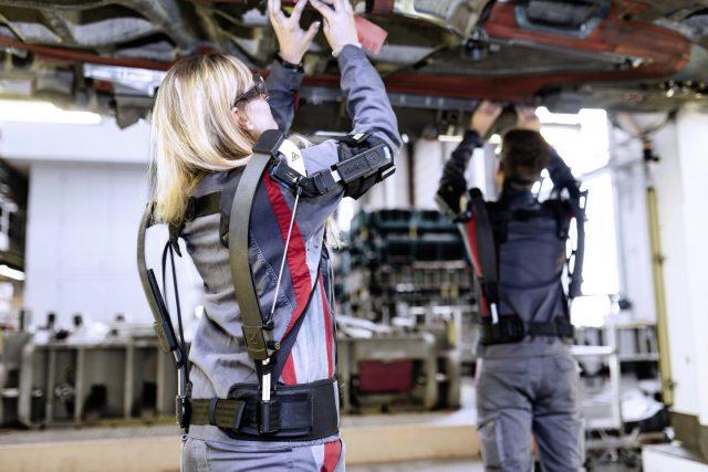 Les exosquelettes débarquent sur les chaines de production d'Audi 1