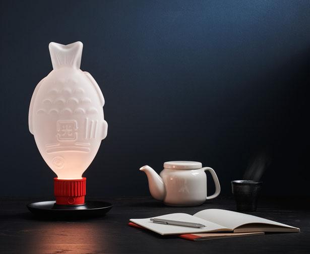 Light Soy - Une lampe en verre pour sensibiliser à la menace des déchets plastiques