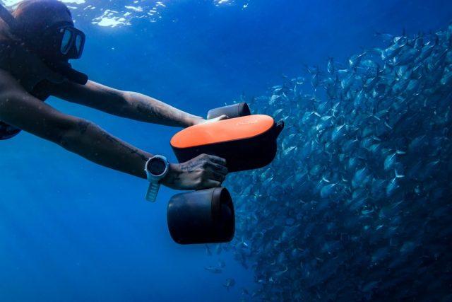 Geneinno annonce un scooter sous-marin S2 plus léger et moins cher