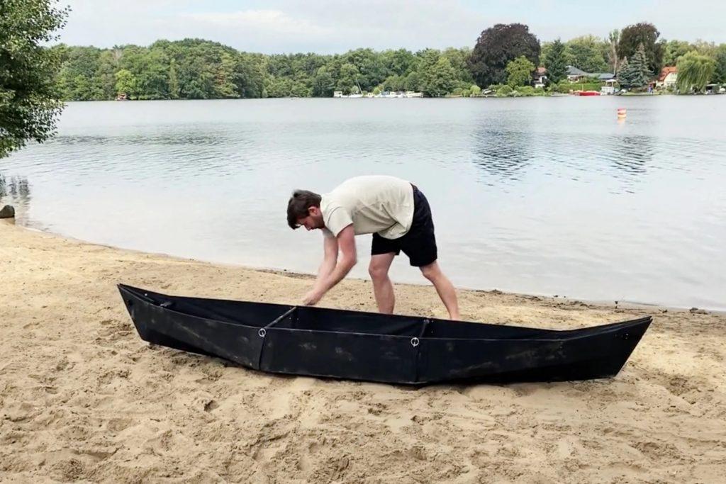 Le kayak Origami ne pèse que 6 kg et se replie en quelques minutes