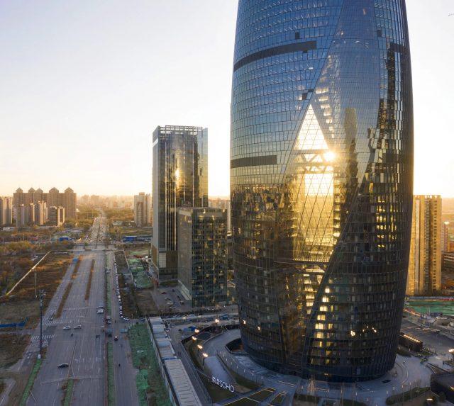 Leeza Soho de Zaha Hadid Architects