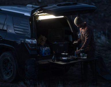 Cette lampe gonflable de Klymit est idéale pour le camping