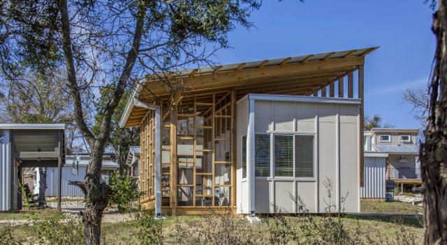 Village Micro House 710