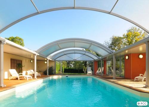 Tendance la piscine d 39 int rieur le blog des tendances for Eclairage interieur piscine