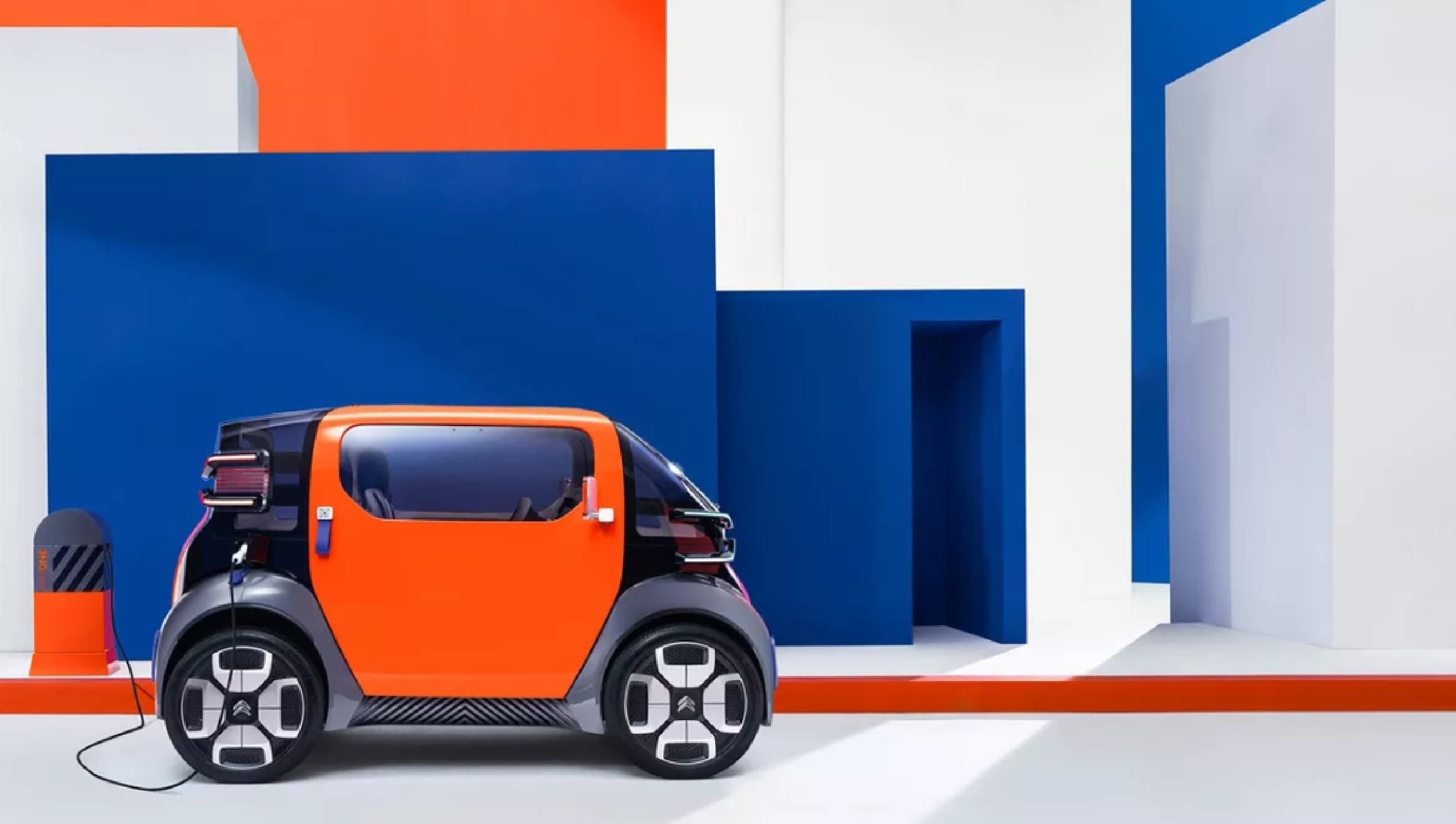 Ami One – Un petit véhicule électrique conçu comme une alternative aux voitures, motos et trottinettes