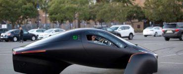 Aptera est de retour avec un nouveau véhicule électrique qui n'a pas besoin d'être rechargé